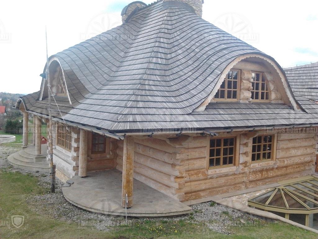dom-z-bali-polokraglych